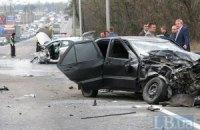 В Киеве Chery, выехав на полосу встречного движения, протаранил грузовик и Hyundai