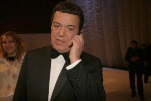 Кобзон поздравил Януковича новой песней про маму-Украину и папу-Донбасс