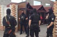 В Мукачево спецназ со стрельбой задержал наркоторговцев