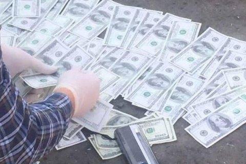 Священник Киево-Печерской лавры пытался вывезти в Российскую Федерацию неменее $50 тыс. «пожертвований прихожан»