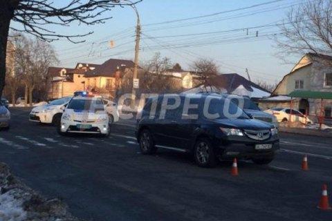 У Києві позашляховик збив трьох школярок на переході