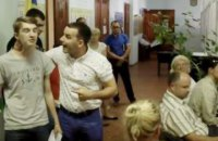 В Киевской области депутат поднял руку на школьника