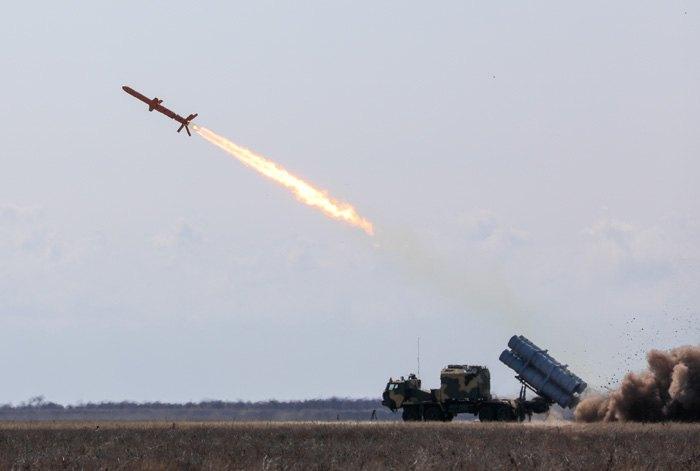 Во время испытания крылатых ракет *Нептун*