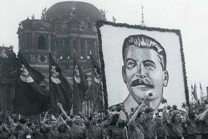 52% россиян положительно оценивают роль Сталина в истории России