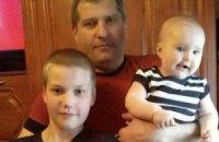 Переселенцю, батькові двох дітей потрібна допомога для лікування раку