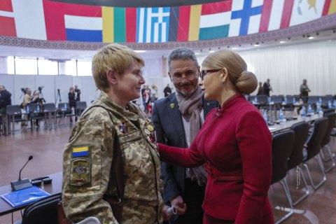 Тимошенко: Украина сохранила суверенитет в 2014 году благодаря добровольцам.