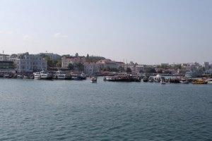 Шесть фур сгорели на судне в Черном море возле Севастополя