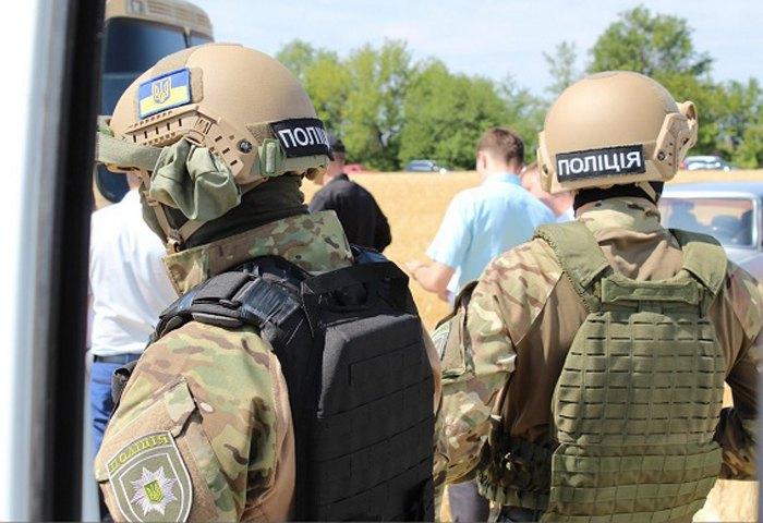 У Кіровоградській області поліція затримала більше 30 осіб зарейдерство