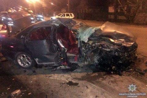 У ДТП у Маріуполі загинуло троє людей, жінку і дитину травмовано