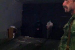 ИС: видео расстрела заложников в Горловке - постановка