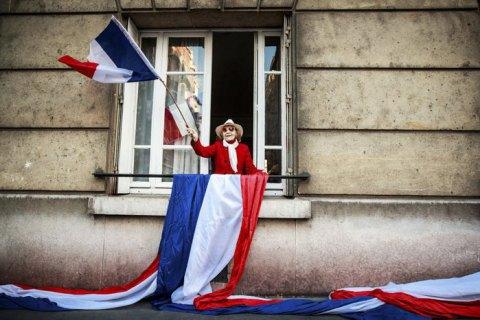 Франция начала давать гражданство иммигрантам за помощь в борьбе с COVID-19