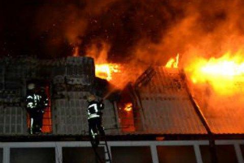 В Одесі під час пожежі в новобудові згоріло 10 квартир