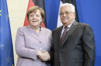 """Меркель и Аббас выступили за принцип """"двух государств"""" в разрешении израильско-палестинского конфликта"""