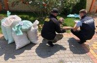 Поліція вилучила 858 кг бурштину у скупників у Рівненській області