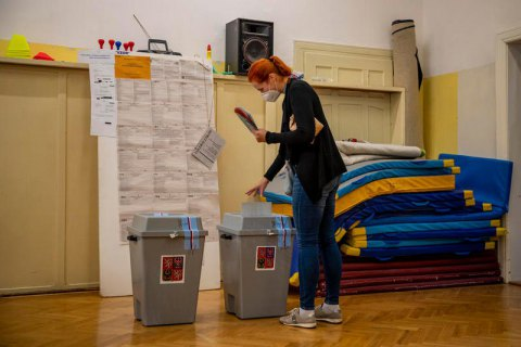 Вибори в Чехії виграла опозиція, а комуністи вперше не попали в парламент