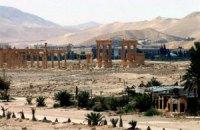 Бойовики ІД розбили кувалдами шість древніх статуй у Пальмірі
