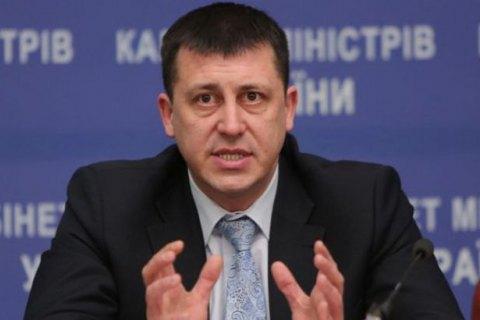 Кабмин уволил подозреваемого во взяточничестве главного санврача Украины