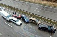 На Бориспольском шоссе под Киевом столкнулись девять машин
