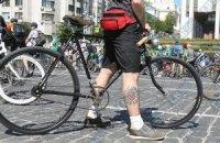 В Киеве открылись сразу три велопарковки