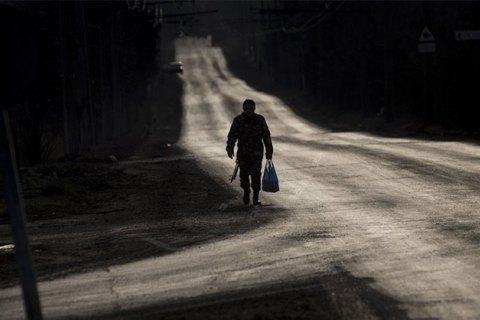 """""""Двері в хату не закриваю, раптом він вночі прийде"""". Як в Україні (не) шукають зниклих безвісти на Донбасі"""