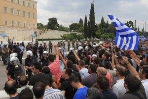 В Греции демонстранты взяли штурмом Акрополь