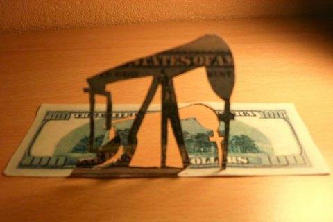 Ціна на нафту впала нижче від 45 доларів за барель