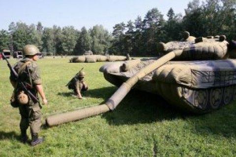 Минобороны РФ почти вдвое увеличило закупку надувных макетов ракет и самолетов