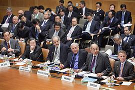 Позиция МВФ: нет реформ - нет денег, - источник