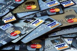 Власників платіжних карток в Україні більше, ніж населення