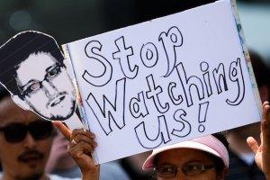 """Сноуден опубликовал в Германии """"Манифест правды"""""""