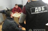 На Львовщине арестованный за кражу мужчина пытался подкупить следователя, чтобы продлить себе домашний арест