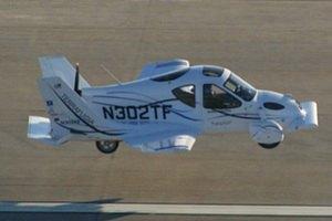 Первый автомобиль, способный летать, появится на дорогах в конце 2012 года
