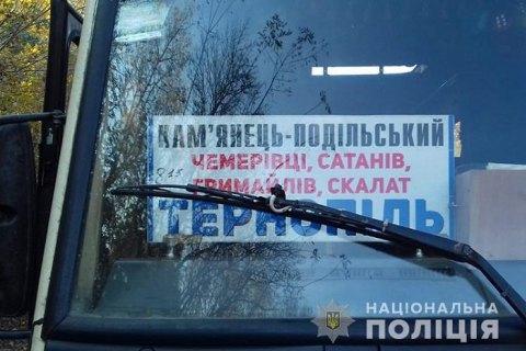 У Тернопільській області неповнолітня дівчинка загинула, випавши на ходу з автобуса