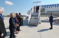 Зеленський прилетів у Францію на переговори з Макроном і Меркель