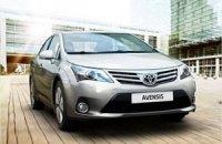 Оновлений Toyota Avensis уже в Україні