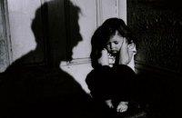 Омбудсмен призвала запретить съемки детей в сценах с насилием