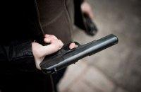 Полиция изъяла оружие у подозреваемых в незаконной добыче песка в Киевской области