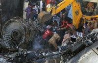Пакистан уточнил число погибших при крушении пассажирского лайнера