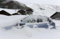 15 тисяч автомобілів заблоковано на дорогах через снігопад у Франції