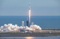 SpaceX запустила вантажний корабель Crew Dragon до МКС