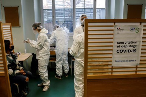 """ВОЗ заявляет, что """"британский"""" штамм коронавируса может стать основным в Европе"""