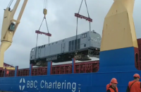 """В Украину доставили первый локомотив General Electric """"Тризуб"""""""