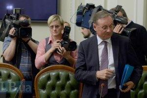 Ефремов предположил, что у Путина болит голова из-за Украины