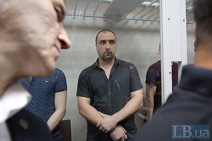 Сергей Тамтура (в центре)
