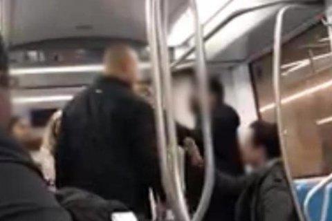 У метро Риму двоє українців побили громадянина Індії