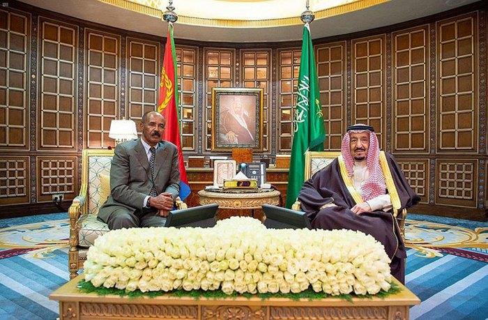 Король Саудовской Аравии Салман принимает президента Эритреи Исайяса Афеверки, который находится с официальным визитом в Эль-Рияде, 19 февраля 2020.