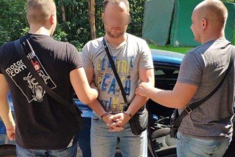 В центре Обухова водитель открыл стрельбу возле остановки общественного транспорта