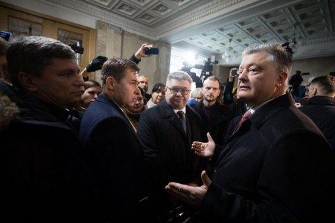 Адвокат: сегодняшний допрос Порошенко в ГБР был одним из самых абсурдных за всю мою карьеру
