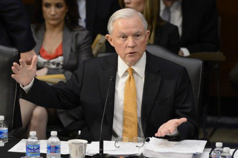 Міністр юстиції США дає свідчення уСенаті щодо втручаньРФ увибори
