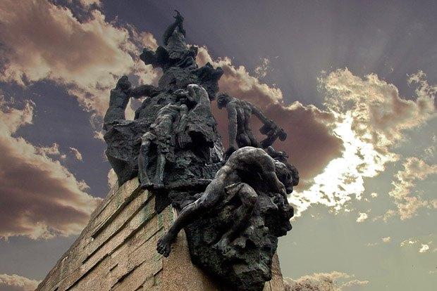 Мемориальный комплекс Бабий Яр